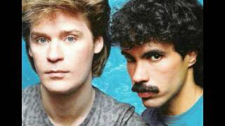 "getlinkyoutube.com-Hall & Oates - Out Of Touch (12"" Version)"