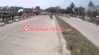 getlinkyoutube.com-Road Race - Irfan Chupenk vs Jafar Munir Helmet Cam