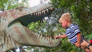 getlinkyoutube.com-DINOSAUR EATS TODDLER!