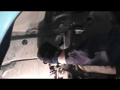 Мазда Трибьют: ремонт и обслуживание - Замена датчика ABS