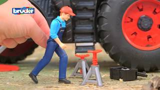 getlinkyoutube.com-Fendt 1050 Vario mit Mechaniker -- 04041 -- Bruder Spielwaren