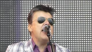 getlinkyoutube.com-Rewind Festival 2013 - The Blow Monkeys - Digging Your Scene (Live)