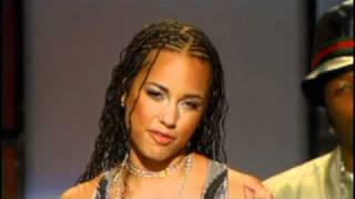 getlinkyoutube.com-Alicia Keys inducts Prince Rock and Roll Hall of Fame inductions 2004