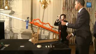 getlinkyoutube.com-Obama Shoots Air Cannon In White House State Dining Room