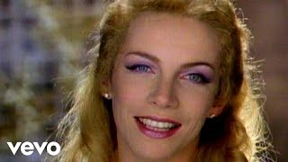 getlinkyoutube.com-Eurythmics - There Must Be An Angel (Playing With My Heart) (Remastered)