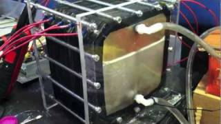 getlinkyoutube.com-120v 4.5 LPM 60 plate hho ( hydrogen ) dry cell demonstration
