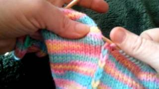 getlinkyoutube.com-Knitting Strips Together -- Patches Baby Sweater 001.mp4