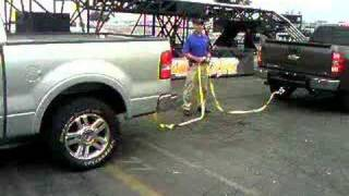 getlinkyoutube.com-Chevy vrs Ford 4x4
