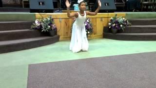 getlinkyoutube.com-Isabella dancing take me to the king Tamela Mann