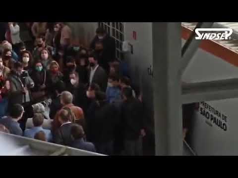 GREVE CONTRA SAMPAPREV 2 | Servidores protestam contra prefeito durante inauguração em Pirituba