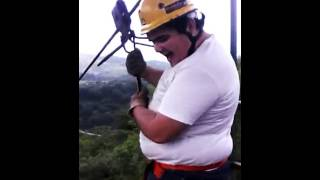 getlinkyoutube.com-INCREIBLE CAIDA DE TIROLESA GORDITO TRISTE