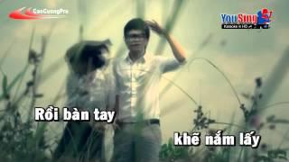 getlinkyoutube.com-Bay Giua Ngan Ha Karaoke - Nam Cuong
