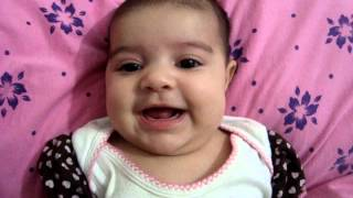 Bebê de 2 meses falando INCRÍVEL