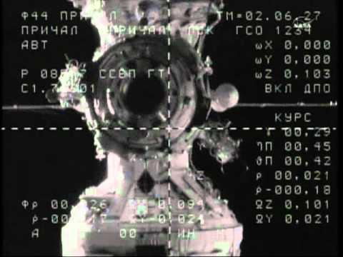 Soyuz TMA-21 Docking (time lapse)