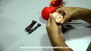 getlinkyoutube.com-Decorando frascos con porcelana fria
