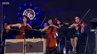 getlinkyoutube.com-Roll Over Beethoven Jeff Lynne's ELO Live with Rosie Langley and Amy Langley, Glastonbury 2016
