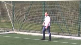 getlinkyoutube.com-Wayne Rooney vs. Wes Brown Challenge