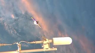 getlinkyoutube.com-WOW! UFO Sightings Alien Star Crafts Visit Space Station? Nov. 24, 2014 HD VIDEO!!