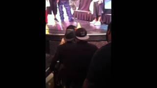 Kat Williams se tape au concert de Young Jeezy à Phoenix