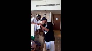 Snoop Dogg fume du tabac Abu Muhamed à Dubaï