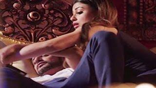 Mouni Roy के Karanvir Bohra के साथ Hot Intimate Scenes देखकर आपके होश उड़ जायेंगे | Naagin 2