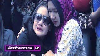 getlinkyoutube.com-Cita Citata Pingsan di Pemakaman Sang Ayah - Intens 29 September 2015