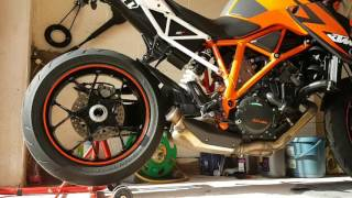 getlinkyoutube.com-AUSTIN RACING GP1R SLIP KTM SUPERDUKE 1290 R