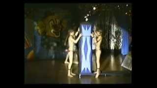 getlinkyoutube.com-Youth Circus Santelli - uitvoering (1)