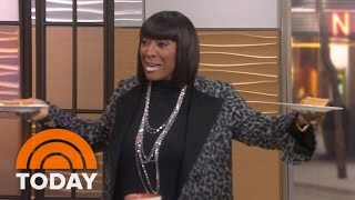 getlinkyoutube.com-Patti LaBelle Surprises Willie, Tamron With Sold Out Sweet Potato Pie   TODAY