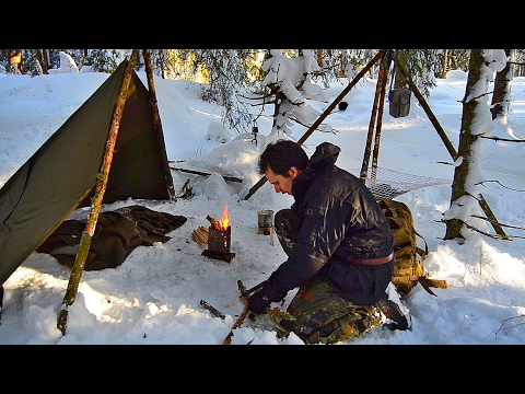 Building A Bushcraft Camp and Testing Outdoor Gear (Canteen Cooking Set Self Reliance Outfitters)
