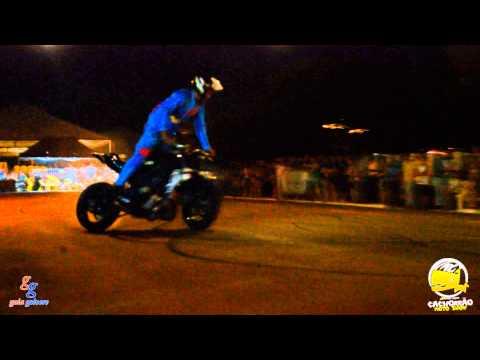 Apresentação do Cachorrão Moto Show de Sábado a noite em Centenário