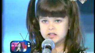 getlinkyoutube.com-بنت بجمال فائق تغني بستار صغار رووعة مع نانسي عجرم .mp4