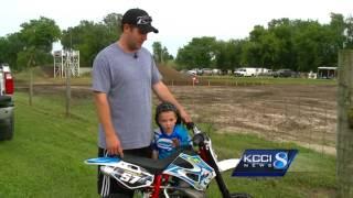 getlinkyoutube.com-5-year-old back on track after dirt bike stolen