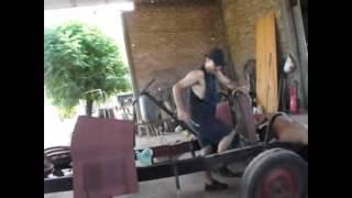 getlinkyoutube.com-restauración de auto antiguo en diez minutos (chevrolet champion 1928)