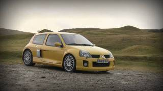 getlinkyoutube.com-Clio V6 vs Megane R26.R [HD]
