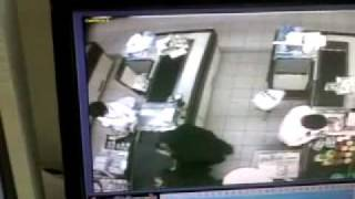 getlinkyoutube.com-امرأة تسحر موظف كاشير في بنده وتسرقه.flv