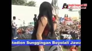 getlinkyoutube.com-SERA VIA VALLEN GOYANG MORENA Dangdut Hot Koplo Terbaru