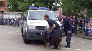 getlinkyoutube.com-Les chiens de la police