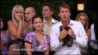 getlinkyoutube.com-Reyna Pachas cae estrepitosamente a la piscina