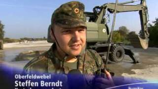 getlinkyoutube.com-Pioniere der Luftwaffe ADR.mpg