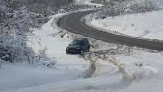 getlinkyoutube.com-Dacia Duster 1.5 dci vs Land Rover 2.0d