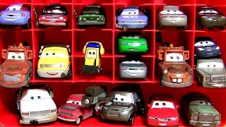 getlinkyoutube.com-Disney Pixar Cars 2 Mattel Diecasts Mater with Balloon | Mater with Duct Tape Storage Carrying Case