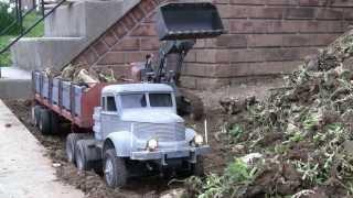 getlinkyoutube.com-Yard work with RC vehicles 04-2013