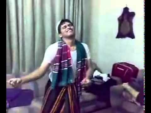 Comedy - Kamran Akmal Dancing (catches dropper Champion)