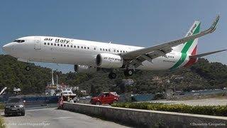 getlinkyoutube.com-LOWEST 737 LANDING EVER! @ Skiathos, the second St Maarten | Air Italy 737-8BK crazy pilot!