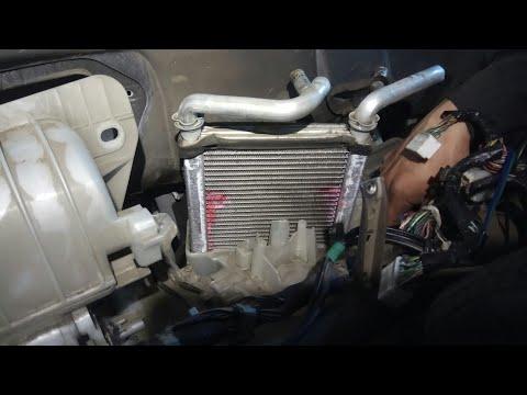 Замена радиатора печки Toyota Funcargo 1nz