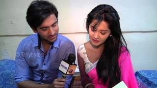 Mishkat and Kanchi aka Raj and Avni of Aur Pyaar Hogaya Receive Gifts from Fans
