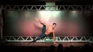 Demonstração de técnicas corporais do Método DeRose