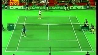 getlinkyoutube.com-Martina Hingis v. Venus Williams | 1999 Grand Slam Cup