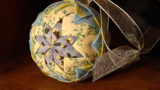 getlinkyoutube.com-Quilted Christmas Ornament (No Sew) | Folded Fabric Balls